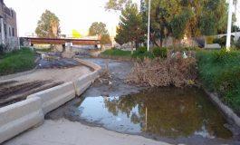 Ni ánimos se les nota, Río Españita continúa cerrado por falta de limpieza