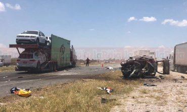 6 muertos y tres lesionados en terrible accidente en Carretera a Matehuala