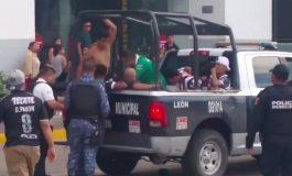 29 detenidos deja riña campal entre aficionados de León y Monterrey