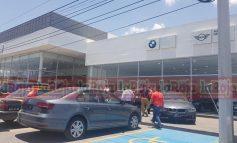 Por segunda ocasión, hombres armados asaltan agencia de autos BMW