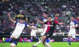 Cruz Azul se descarrilla y sufre su primer derrota