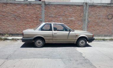 Abandonado localizan vehículo con reporte de robo