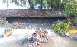 Colapsa canalón de aguas negras en Río Santiago