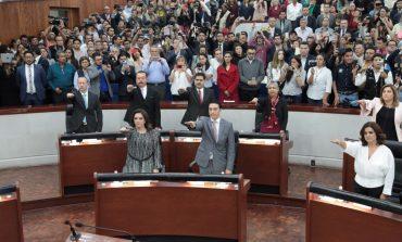 Inicia funciones la LXII Legislatura