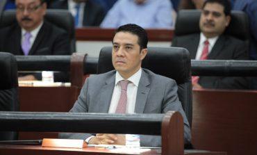 """""""Venimos a servir, y no a servinos de la curul"""": Emmanuel Ramos"""