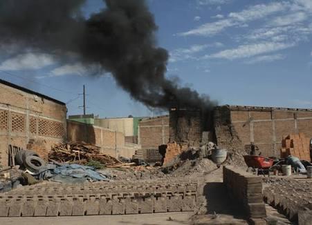 Vecinos de Barrio Vergel víctimas de contaminación por ladrilleras