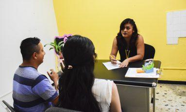 Ofrecen terapias de lenguaje para menores
