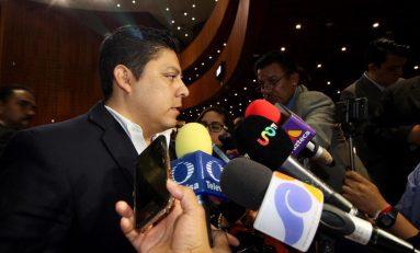 """""""Un engaño"""", la consulta sobre el aeropuerto: Gallardo Cardona"""