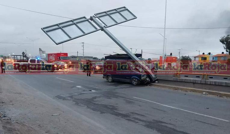 Aparatoso accidente en Periférico Norte