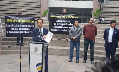 Regidores del PRD protestan por mentiras y nepotismo de Nava