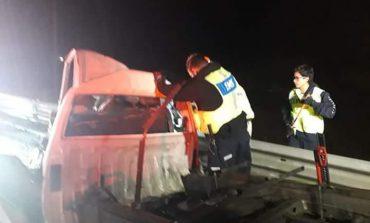 Choque de frente entre un tráiler y una camioneta en Carretera a Villa de Reyes deja un muerto y un lesionado