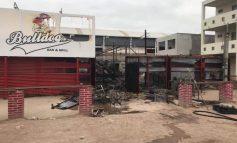 Arde en llamas el Bulldog Bar y Grill en Rioverde