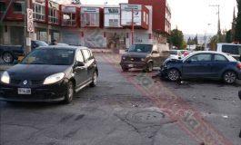 IMPRUDENCIA DEJA 5 HERIDOS EN CHOQUE