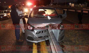 Conductora se accidenta sobre Carretera 57 y pierde la vida