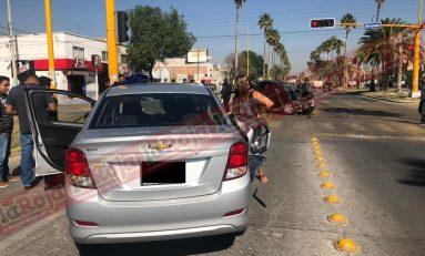 Choque en el cruce de 20 de Noviembre y Juan Álvarez deja un lesionado