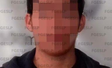 Detienen en Ciudad Valles a presunto ladrón solitario de banco en Plaza Fundadores