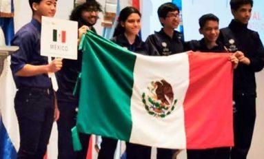 Jóvenes mexicanos campeones en Olimpiada Matemática de Centroamérica