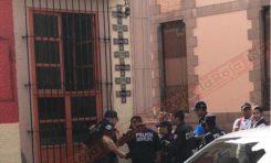 Valiente mujer frustra asalto en un negocio del Centro  Histórico y el maleante se orina del susto