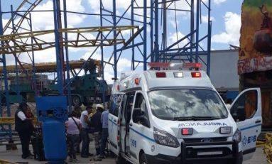 Trabajador de atracciones García se desploma cuando montaba una montaña rusa en las instalaciones de la FENAPO