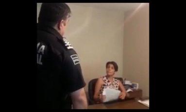 Sebastián Pérez se ensaña con oficial del Registro Civil que lo señaló de corrupto