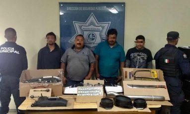 Con droga, armas y autopartes robadas,  caen cuatro en Soledad