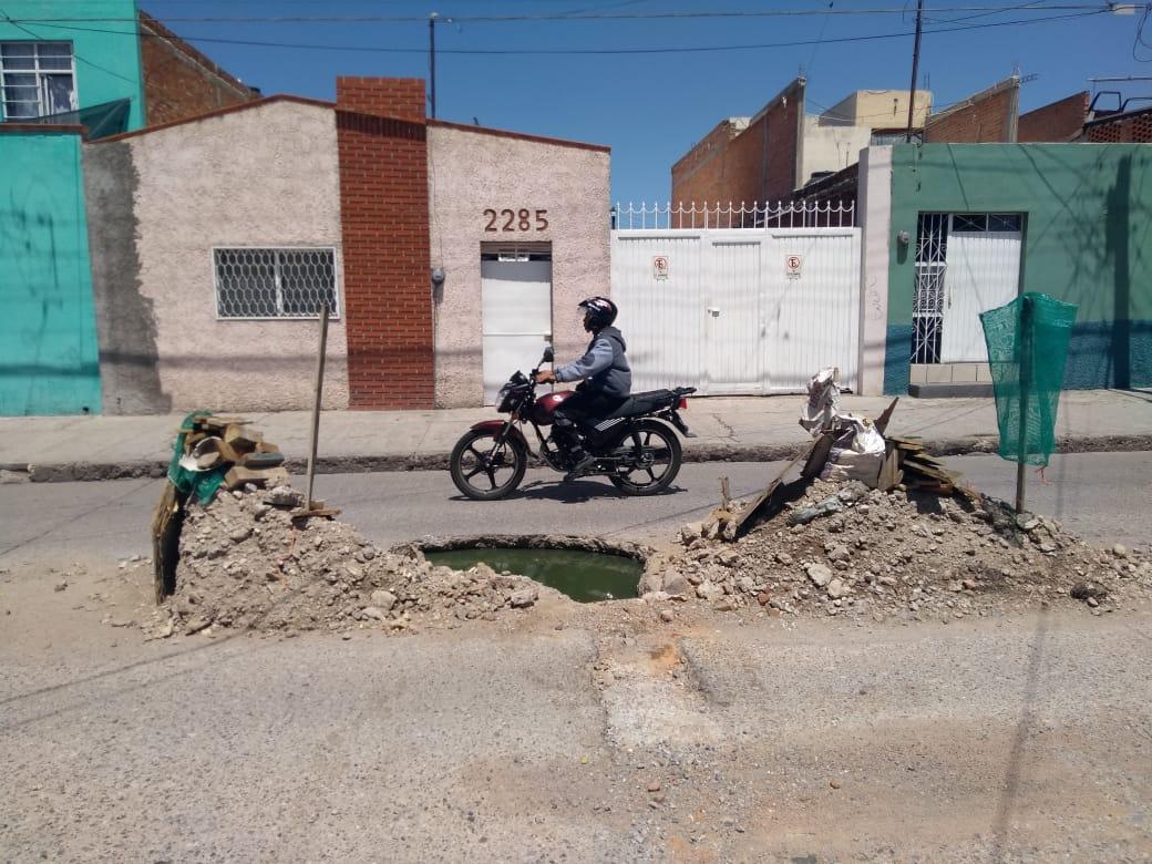 """VECINOS DE LA CALLE 5 DE MAYO LE SUPLICAN AL """"HUEVO"""" PURATA QUE YA DESPIERTE DE SU LETARGO EN EL INTERAPAS"""