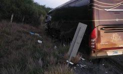 Se accidenta el autobús del grupo La Firma