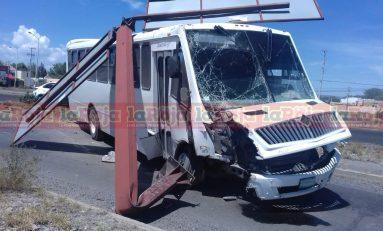 Chofer de transporte de personal protagoniza accidente en la Carretera 57