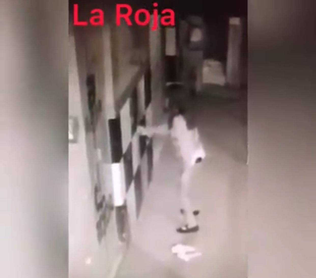 EN LA AVENIDA DEL SAUCE YA NO SOPORTAN A DOS GRAFITEROS