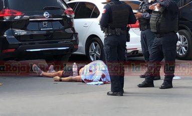 Hombre muere baleado en Plaza Comercial de la Carretera 57