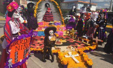 Se invita a las escuelas de Soledad a participar en concurso de Altares de Muertos