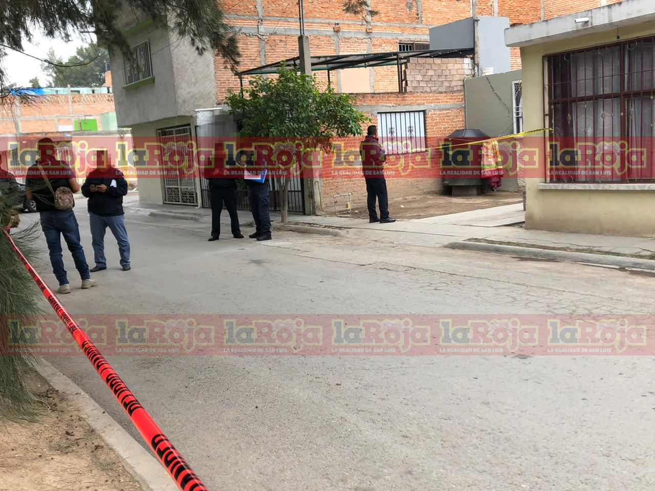 Hallan a tres personas sin vida en el interior de una casa en la Colonia San José