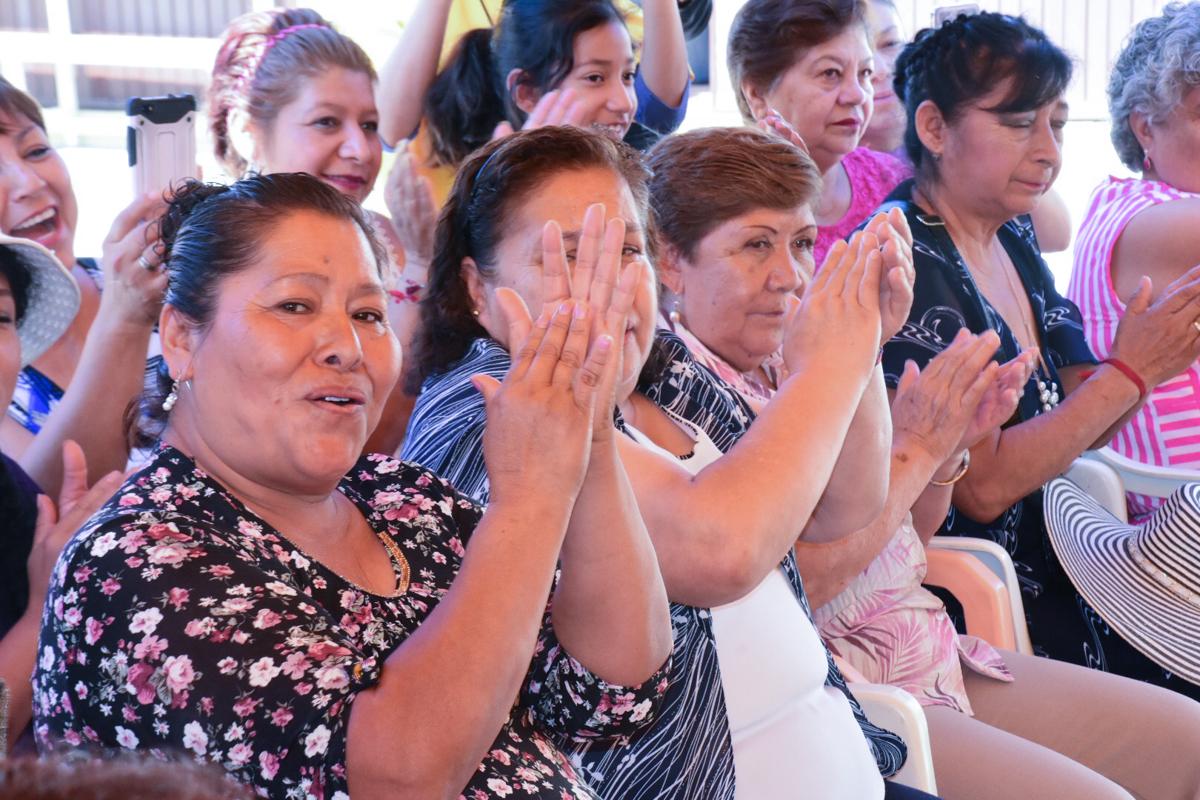 Tradicionales posadas llevarán alegría a clubes de adultos mayores
