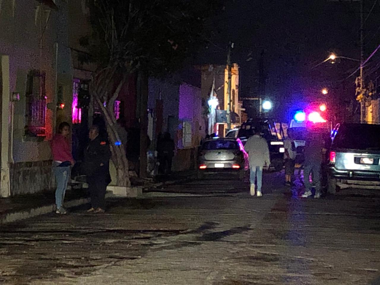 Hombre muere quemado en el interior de una casa abandonada en la Colonia Independencia