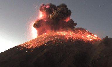 Volcán Popocatépetl registra una impresionante explosión esta mañana