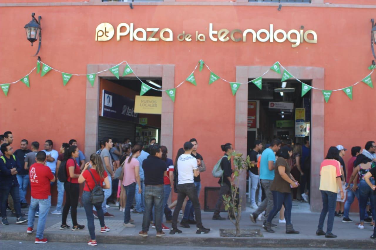 Locatarios de Plaza de la Tecnología se manifestaron ante posible cierre, demandan medidas de apoyo