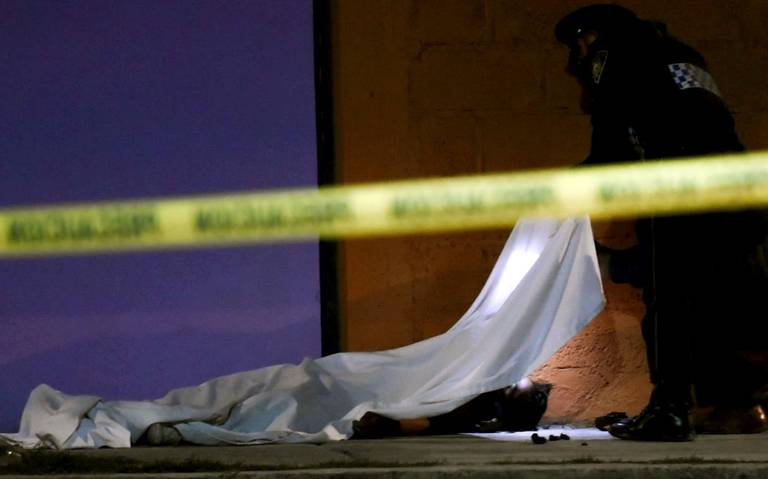 Matan a cuatro policías municipales y encuentran seis cadáveres en Zacatecas