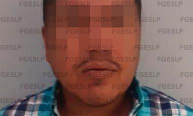 Arrestan a hombre acusado de matar a un hombre y a su hijo recién nacido