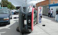 Vuelca camioneta repartidora de gas en Valentín Amador