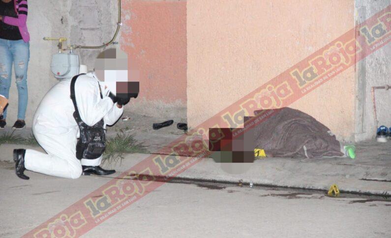 HOMBRES ARMADOS ATACAN A TRES MASCULINOS EN AVENIDA LIBERTAD, HAY UN MUERTO Y DOS LESIONADOS