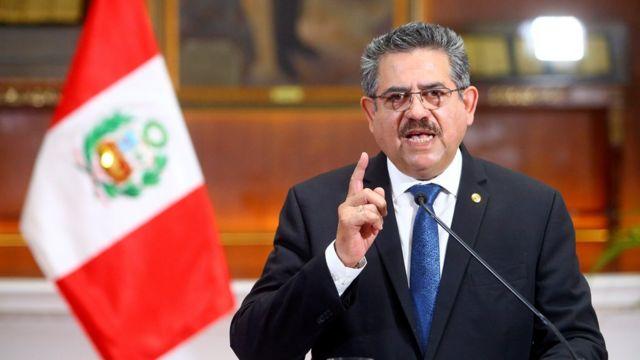 Manuel Merino renuncia a la presidencia de Perú